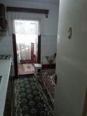 210131163_4_644x461_vand-apartament-zona-brosteni-imobiliare